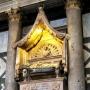 - Via della Canonica, 1 - Гробница антипапы Иоанна XXIII