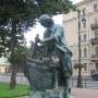 - напротив дома 6 по Адмиралтейской набережной - Памятник Петру I на Адмиралтейской набережной Царь-плотник